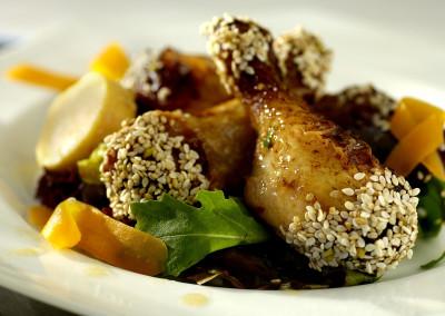 Gegrilde kip met honing en salade