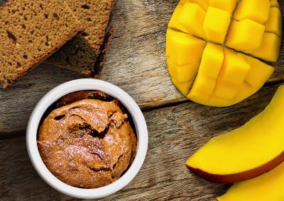 Honingkoekmousse met mango